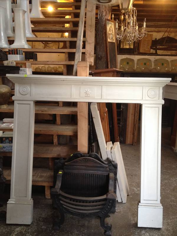 Soft wood white painted surround, georgian in style4546692627755